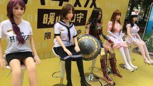 บริการเช่า ตุ๊กตายาง ผ่านแอพพลิเคชั่น ธุรกิจใหม่ เพื่อหนุ่มจีนขี้เหงาที่อยากมีสาวข้างกาย