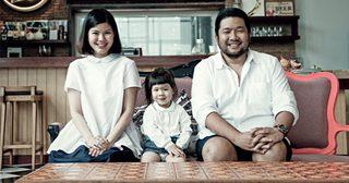 คุณพ่อ 'บอย ตรัย' อุ้มลูกสาวเปิดประสบการณ์ท่องเที่ยวเติมความสุขตั้งแต่วัย 3 เดือน