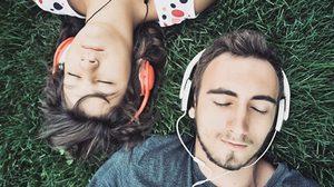 ใช้ หูฟังจุกยาง + ฟังเพลงดังเกินไป เสี่ยง ประสาทหูเสื่อม ถาวร!