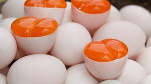 สูตร ยำไข่ครอบ พร้อมวิธีทำไข่ครอบอย่างละเอียด