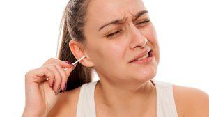 เฉลยให้หายสงสัย! แท้จริงแล้ว เราจำเป็นต้องแคะขี้หูหรือไม่?