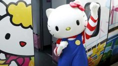 """น่ารักมุ้งมิ้ง! รถไฟด่วนพิเศษ """"Hello Kitty"""" ในไต้หวัน เปิดให้บริการแล้ว"""