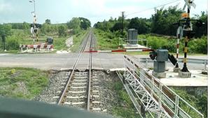จนท. รถไฟบ่น หลังพบไม้กั้นทางรถไฟถูกชนเสียหาย