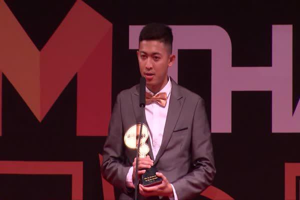 อาร์ม ศุภวุฒิ เถื่อนกลาง นักฟุตซอลทีมชาติไทย รับรางวัล Top talk about Sportsman