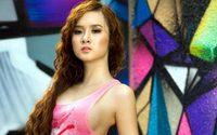 Angela Phuong Trinh สาวเวียดนามหุ่นเอ็กซ์กับแววตาสุดเย้ายวน