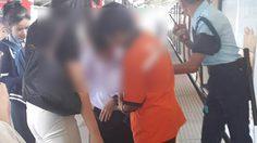 ระทึก! นักเรียนขาติดในร่องบีทีเอสสุรศักดิ์ หยุดรถช่วยทันหวุดหวิด