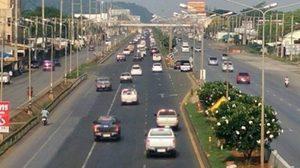 ถนนปักธงชัย-วังน้ำเขียว รถติดสะสม เคลื่อนตัวช้า ทั้ง 2 ช่องทาง