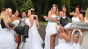 ชวนดู! งานแต่งคู่เกย์สุดน่ารัก กับ เพื่อนเจ้าสาว 10 ชีวิตในชุดเจ้าสาว!