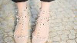 รองเท้า Valentino Rock Stud รองเท้าส้นสูง สำหรับสาวแฟชั่นตัวจริง