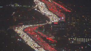 รถติดวินาศสันตะโร วันขอบคุณพระเจ้าในสหรัฐฯ