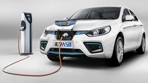 JAC iEV A50 รถซีดานพลังไฟฟ้าจากแดนมังกรที่ทำระยะได้ไกลถึง 500 กม.