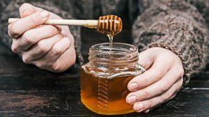 กิน น้ำผึ้ง แล้วดีอย่างไร อยากรู้ ตามมาทางนี้!!