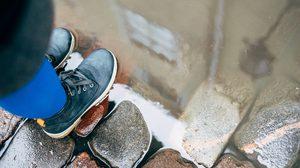 มาดูวิธีรักษาโรคผิวหนัง จากการเดินลุย น้ำท่วมขัง หน้าฝนนี้กัน