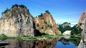 นมัสการพระพุทธฉาย ถ้ำฤๅษีเขางู จังหวัดราชบุรี