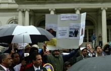 แท็กซี่นิวยอร์กประท้วงแอปฯ ให้บริการรถรับ-ส่ง