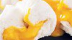 วิธีทำ ซาลาเปาลาวา ไส้ไข่เค็ม