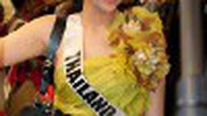 ฟ้า ชัญษร กับ แฟชั่นเสื้อผ้า ในวันเก็บตัวที่ บราซิล ก่อนขึ้นเวที Miss Universe 2011