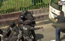 ตำรวจนำกำลังสลายการชุมนุมนักศึกษาในโบลิเวีย