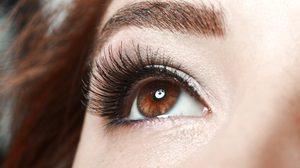 ระวัง! ขนตาไฟกระพริบ หากใช้ไม่ถูกต้อง เสี่ยงเป็นอันตรายต่อดวงตา