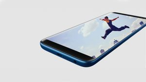 Samsung Galaxy J8 เปิดตัวพร้อมกล้องหลังคู่ กล้องหน้ามีแฟลช ราคาต่ำหมื่น