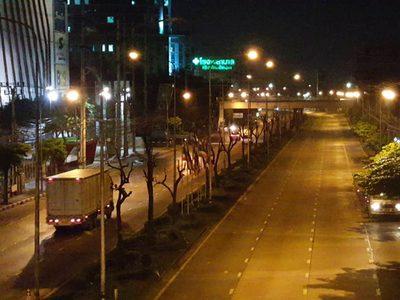 นนทบุรียังไม่ปิดเบี่ยงการจราจร ก่อสร้างรถไฟฟ้าสายสีชมพู