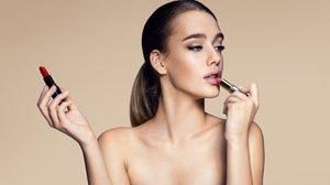 5 วิธีรับมือ เมื่อสาวๆ รู้สึกว่าจะ แพ้ลิปสติก แท่งโปรดซะแล้วล่ะ