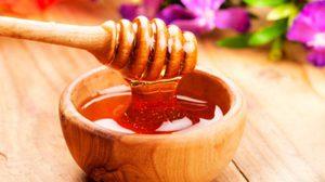 สูตรง่ายๆ พอกหน้าด้วยน้ำผึ้ง สวยใสไร้ริ้วรอย