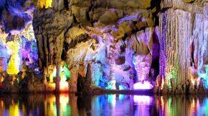 ถ้ำขลุ่ยอ้อ กุ้ยหลิน ความงามหินงอกใต้บาดาล