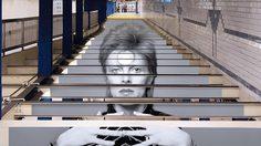 เปลี่ยนสถานีรถไฟใต้ดินในนิวยอร์คให้เป็นแกลลอรี่ของ David Bowie เพื่อสดุดีแก่นักร้องผู้ล่วงลับ