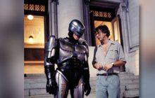 ผู้กำกับไซเบอร์พังค์ District 9 เตรียมลุยสร้าง RoboCop ภาคต่อจากปี 1987