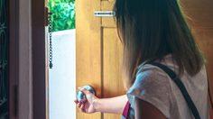 คุณขา! มาม่ะ! วิธีแก้ ประตูบวม ประตูเอียง ประตูฝืด ประตูมีเสียงดัง เปิด – ปิดยาก ด้วยตัวเอง