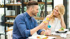 ผู้หญิงต้องรู้ 5 อาหารปราบเซียน ที่ไม่ควรสั่งใน เดทแรก