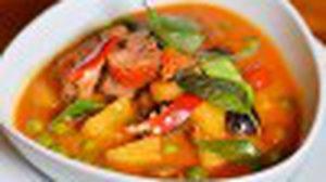 ลิ้มรส บิสโตร แอนด์ คาเฟ่ ร้านอาหารไทยสูตรดั้งเดิมสไตล์ใหม่ ใจกลางภูเก็ต