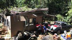 พายุหมุนซัดต้นไม้ทับบ้านพัก จนท.อุทยานฯน้ำตกตาดหมอก