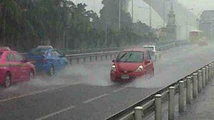 กทม. ฝนตกทั้งคืน อัพเดทน้ำรอการระบายเมืองกรุง ฯ