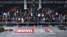 ถ่ายภาพร่วมกัน!! กว่า 100 ชีวิต ใน Marvel Studios ที่ร่วมกันสร้างจักรวาลมาร์เวลตลอด 10 ปีที่ผ่านมา