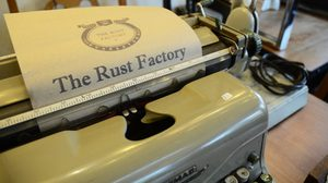 ความสวยงามมาคู่กับความแข็งแรง สโลแกนของร้าน The Rust Factory