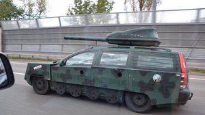 ยอมใจกับไอเดีย จับ Volvo มา custom เป็นรถถัง