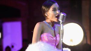 Ariana Grande โชว์เพลง 'Dangerous Woman' สะกดคนทั้งงาน MTV Movie Awards