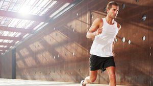 อะไรมากไปก็ไม่ดี พอดีๆ ดีกว่าครับ ออกำลังกายหนักเกินไปเสี่ยงโรคได้