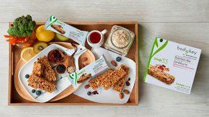ทางเลือกใหม่ของอาหารว่าง ธัญพืชอบกรอบผสมถั่วและผลไม้อบแห้งชนิดแท่ง