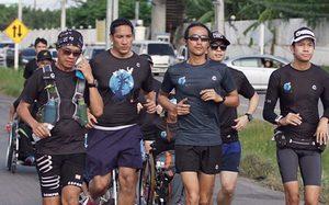 ตูน บอดี้สแลม วิ่ง #ก้าวคนละก้าว ยอดบริจาควันที่ 2 สิบล้านบาทแล้ว!!