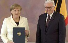 """""""อังเกลา แมร์เคิล"""" นั่งนายกฯ เยอรมนีสมัยที่ 4"""