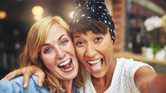 วิจัยเผย 2 สิ่ง นี้แหละ คือข้อแตกต่างระหว่าง เพื่อน VS เพื่อนที่ดีที่สุด