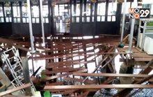 พื้นทางเดินร้านอาหาร จ.ชลบุรี พังถล่ม เจ็บ 29  คน