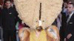 Oh my God! เลดี้ กาก้า คอสตูมนางแรงจริง คิดได้ไงเนี่ยย!!!