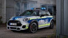 MINI John Cooper Works กับมาดรถตำรวจเยอรมัน