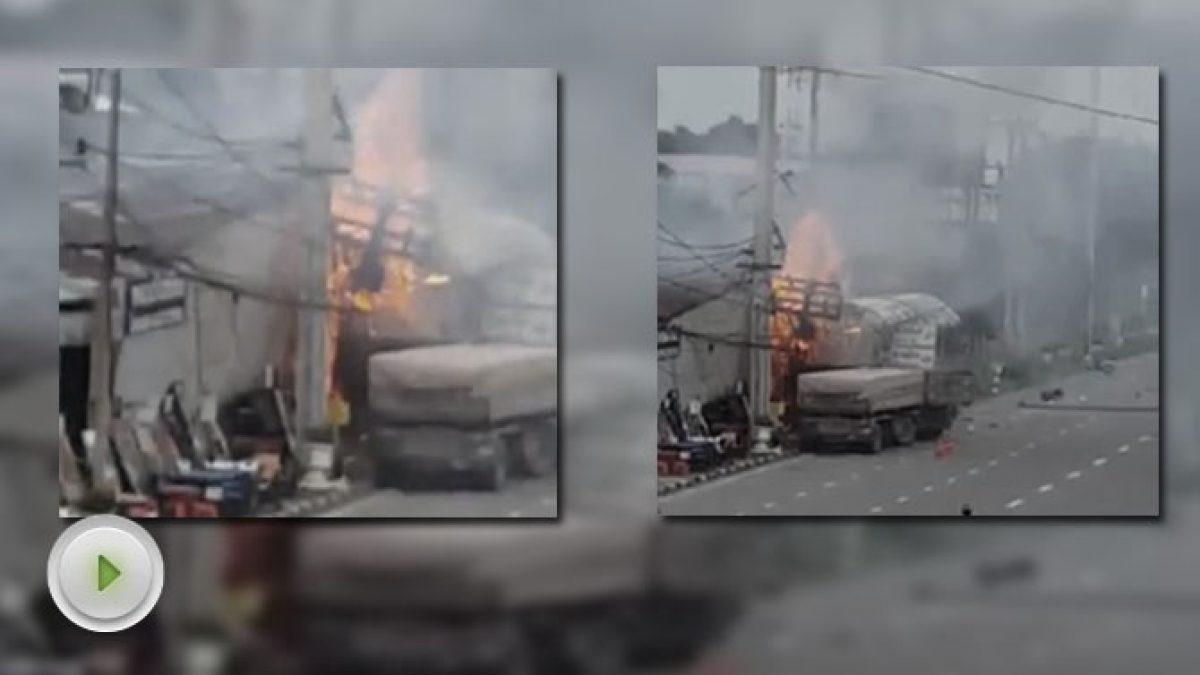 อุบัติเหตุรถพ่วง 18 ล้อบรรทุกดิน ซิ่งเสียหลักหลุดเลน