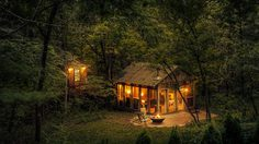 25 บ้านกลางป่าเขา ที่จะทำให้คุณหลีกหนีจากโลกที่วุ่นวาย!
