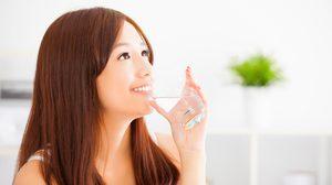 จริงหรือ? ดื่มน้ำ แก้ ปวดหัว ได้